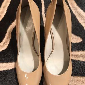 Nude patent leather round toe heel 9
